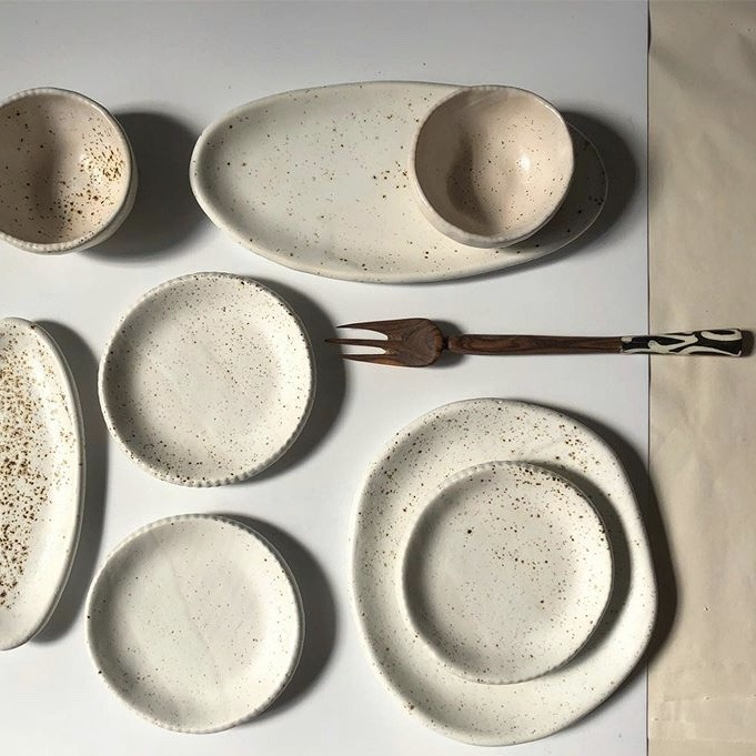 ceramic-plates-fork