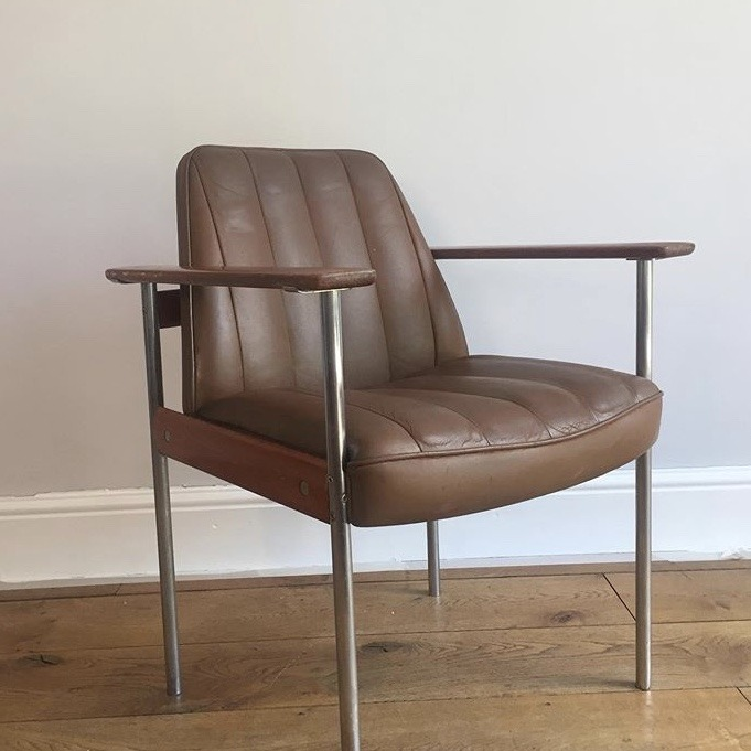 Brown-Leather-Metal-Chair