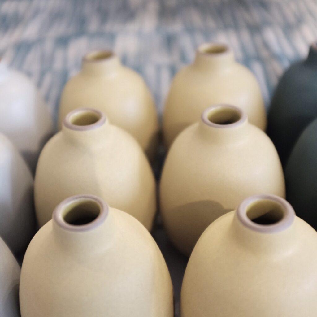 vase-ceramic-yellow