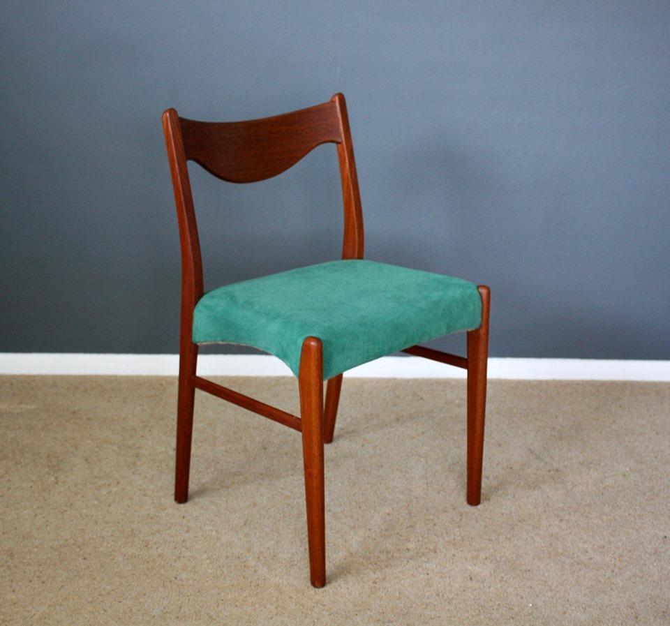 Scandinavia-mid-century-chair